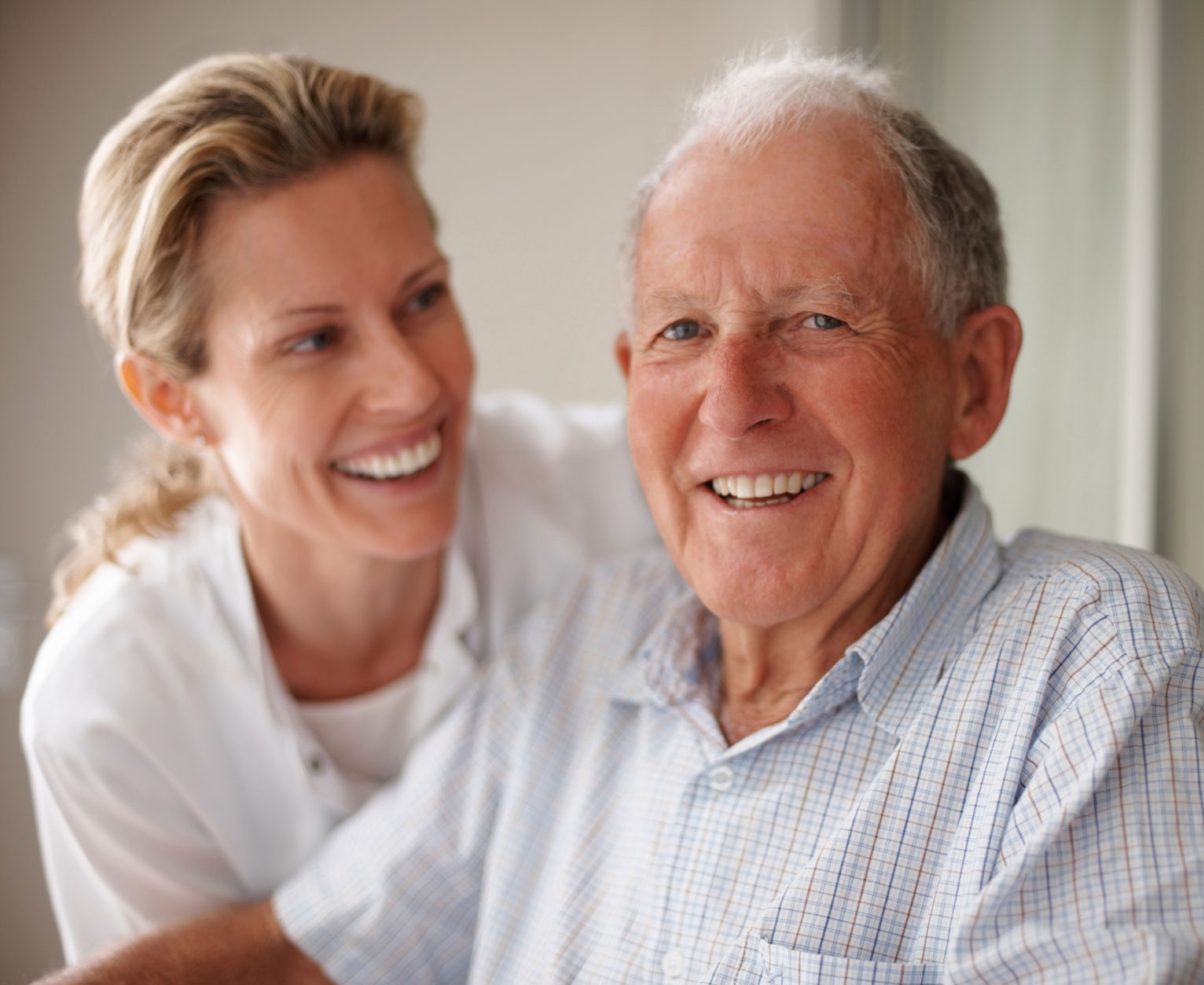 nurse-dementia-patient-old-age-caring-heart-home